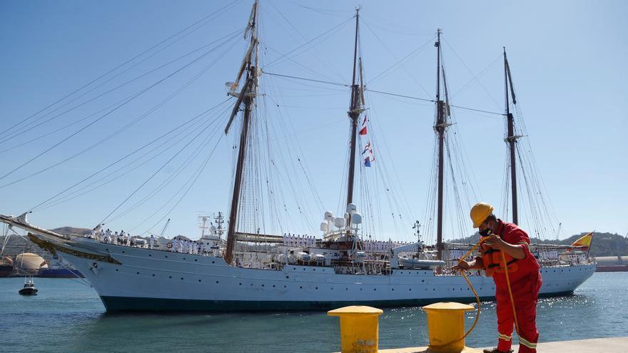 El buque Elcano llega a Filipinas en los 500 años de la circunnavegación