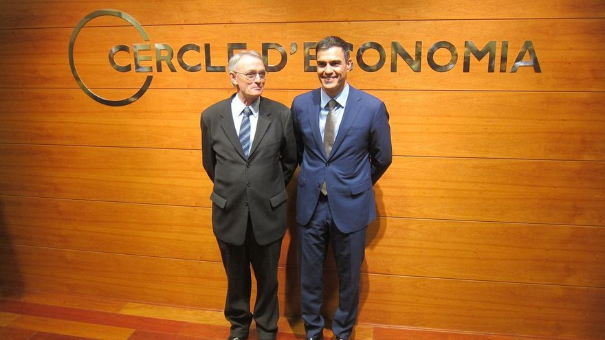 """Sánchez pide el fin de la Troika y exige a Rajoy una """"actitud constructiva"""" con Grecia"""