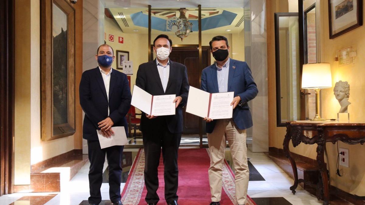 Enrique Quesada, José Carlos Gómez Villamandos y José María Bellido.