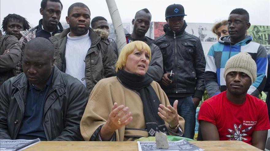 Empeora el estado de los refugiados en huelga de hambre en la Puerta de Brandeburgo