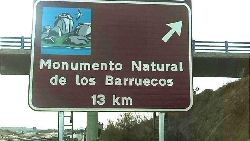 Nueva señalización de destinos turísticos de Extremadura en la Red de Carreteras / GobEx