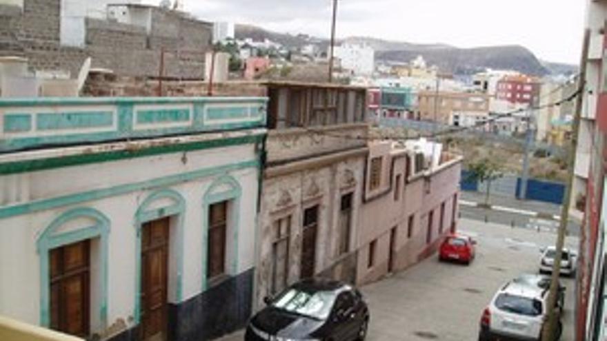 Viviendas ocupadas en la zona baja de La Minilla.