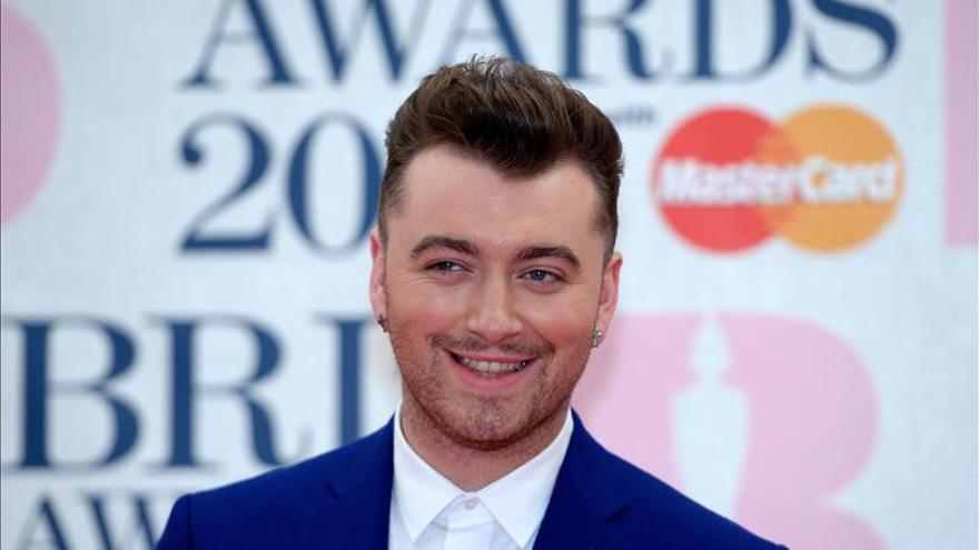 Ed Sheeran triunfa en los premios de la música británica