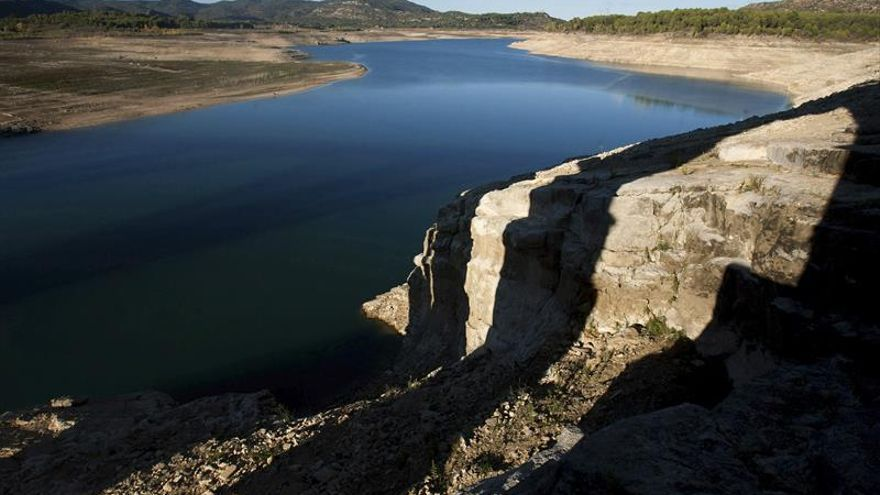 La reserva hidráulica está al 70,4 %, y disminuye un 1,3 % en una semana