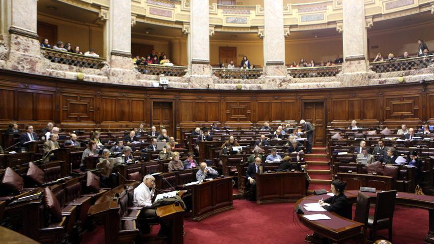 Diputados uruguayos inician el debate sobre la polémica ley que despenaliza el aborto
