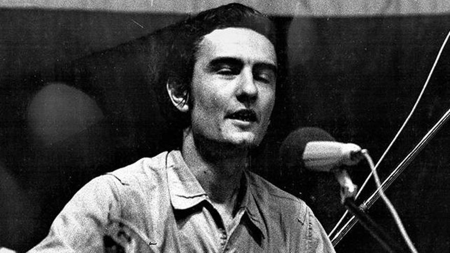 Bernardo Fuster cuando cantaba bajo el seudónimo de Pedro Faura