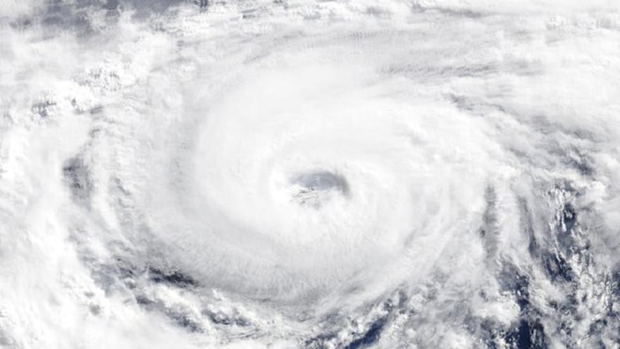Imagen del satélite Terra del huracán 'Alex'