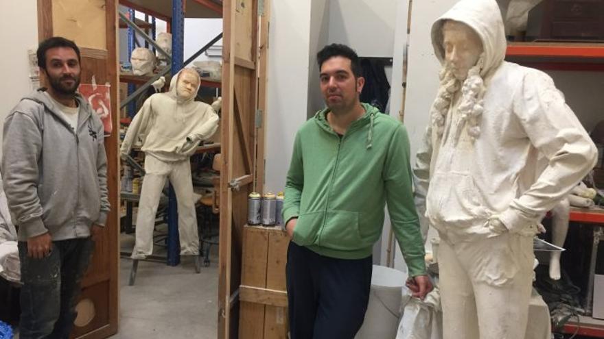Los escultores Juan Gancedos y Sergio Delicado