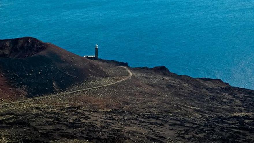 Faro de Orchilla, extremo occidental de la Isla de El Hierro y durante siglos fin del mundo conocido por los europeos. VIAJAR AHORA