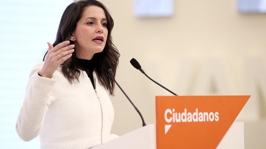 Arrimadas conversa con Casado y regionalistas como Oramas (CC), Mazón (PRC) y Guitarte (Teruel Existe)