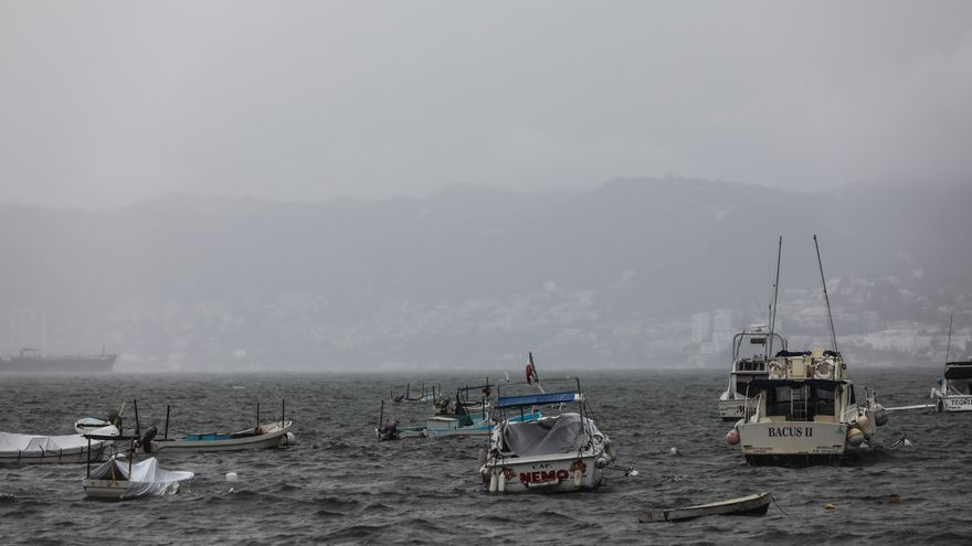 El huracán Enrique se intensifica y alcanza categoría 1 en costas mexicanas
