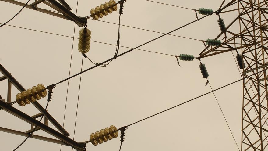 La CNMC analizará el mercado eléctrico en busca de beneficios extraordinarios y fallos de competencia