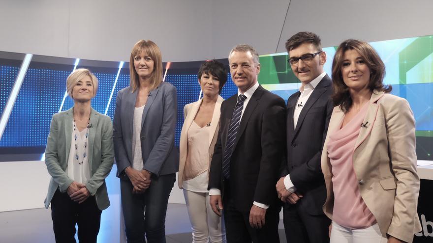 Las candidatas, momentos antes de que comenzara el debate en euskera en ETB1.