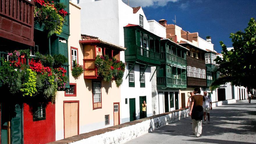 Balcones en la Avenida Marítima de Santa Cruz de La Palma, uno de los iconos de la ciudad. VIAJAR AHORA