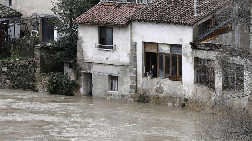 La CHE mantiene la alerta roja en Navarra por el Ebro, el Ega y el Arga