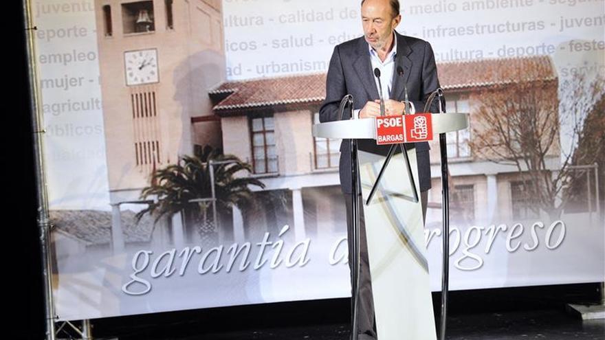 """Rubalcaba: """"Un chaval de 17 años no va a cambiar la imagen del país"""""""