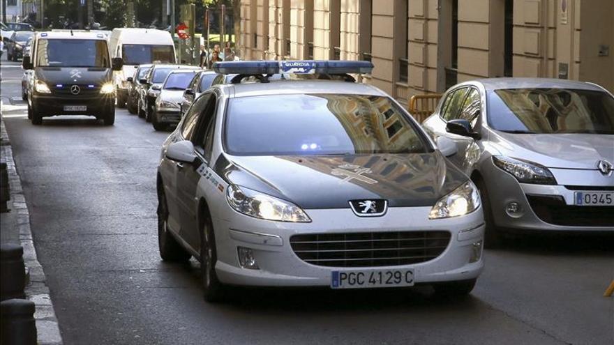 """Cogen """"in fraganti"""" a un alcalde de la red Púnica llevándose documentos"""