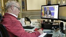 El alcalde València, Joan Ribó, durante la videoconferencia con el ministro José Luis Ábalos