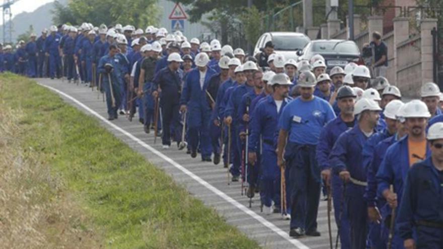 La participación masiva de los mineros alargó la votación hasta las once de la noche