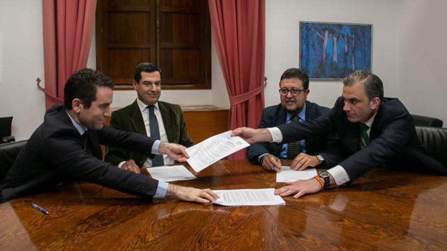 Firma entre PP y VOX para el gobierno andaluz. Europa Press