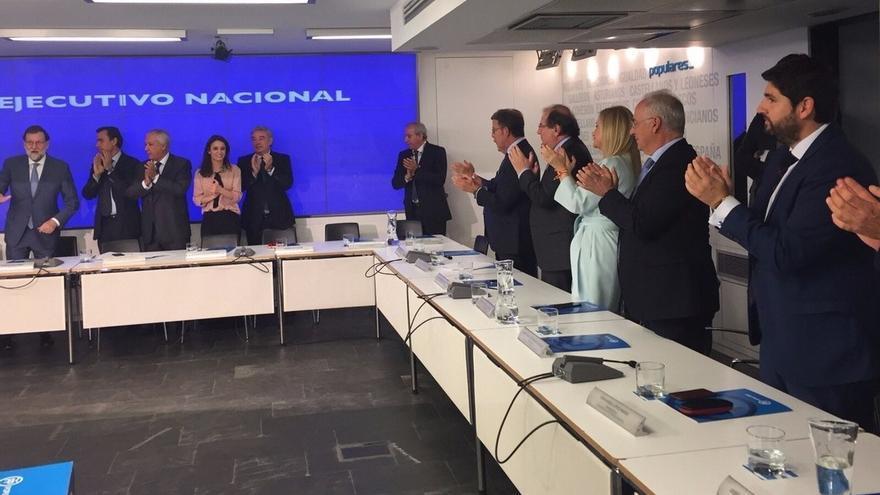 """Rajoy cree que el 155 se está aplicando de forma eficaz y recalca que """"gana España"""" y la """"democracia"""""""
