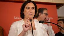 Ada Colau recibe el aval definitivo de sus bases para ser alcaldesa de Barcelona en un gobierno con el PSC