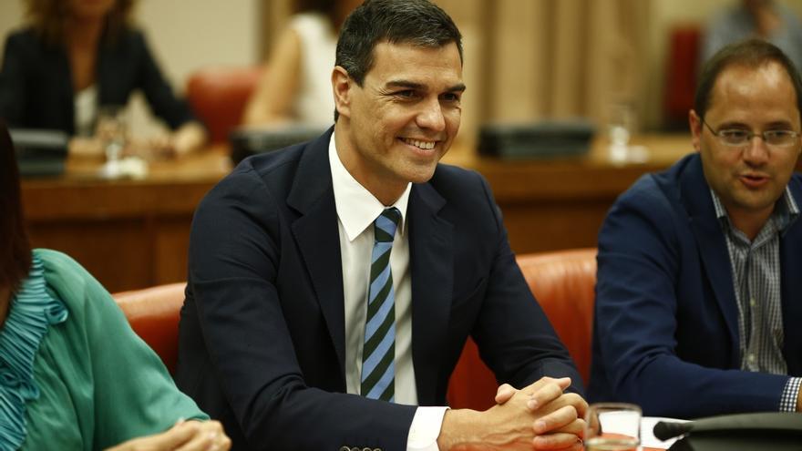 Dos diputados del PSOE emplazan a Pedro Sánchez a intentar formar gobierno si Rajoy fracasa