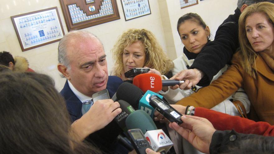 """Fernández Díaz asegura que la ETA que España sufrió décadas """"no volverá"""" y Resistencia Galega también será derrotada"""