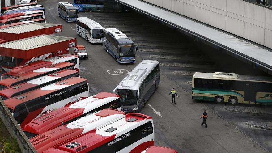 Autobuses aparcados en la Estación Sur de Madrid.