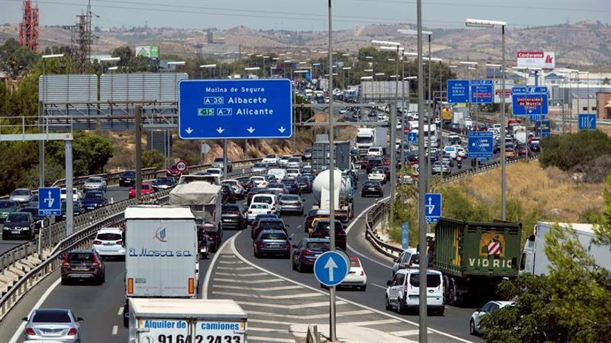 Once personas han muerto en once accidentes de tráfico este fin de semana