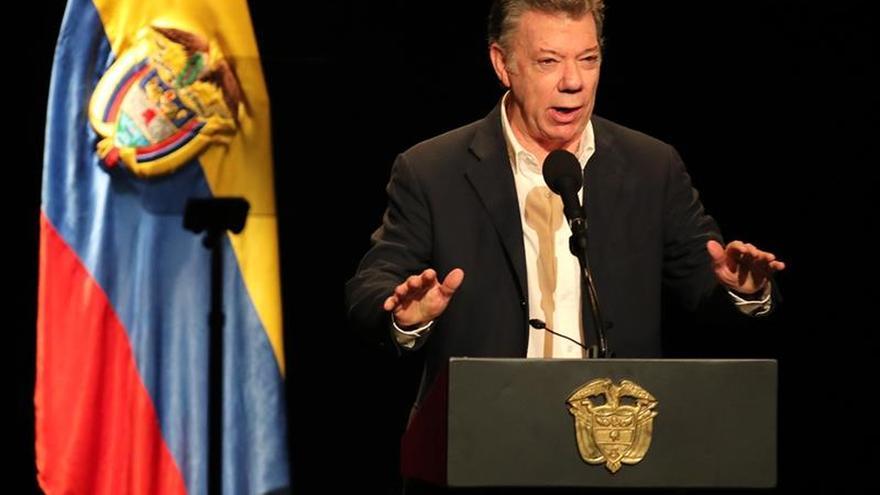 Santos nombrará a un nuevo equipo para los diálogos con el ELN