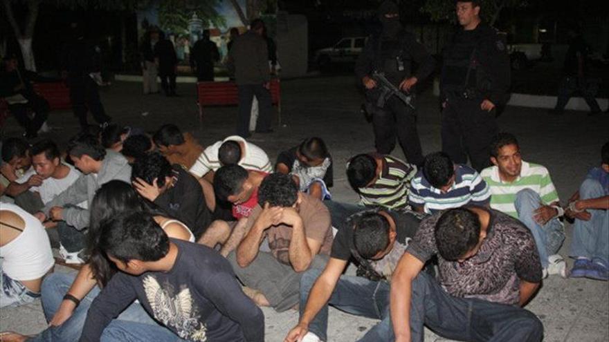 La policía salvadoreña revela el éxodo de seis familias por amenazas de pandillas