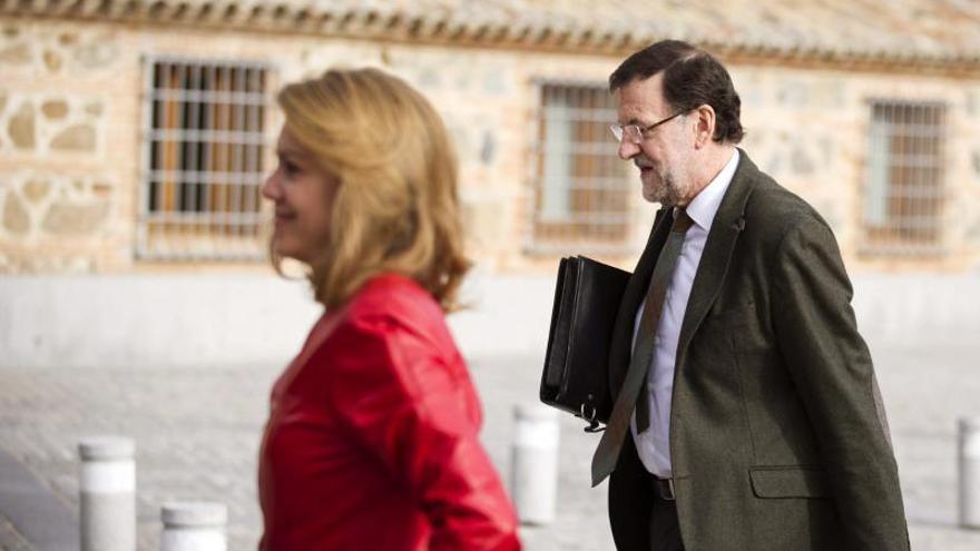 Cospedal recibe a Rajoy en el Palacio de Fuensalida antes de la reunión del PP