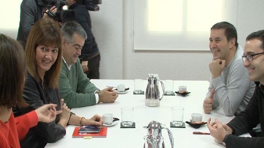 """Otegi destaca que """"la foto"""" del encuentro entre EH Bildu y PSE-EE """"dota de normalidad al país"""""""
