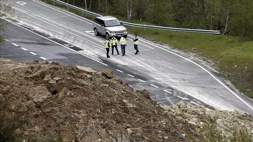 Harían falta 2.000 millones de euros más al año para mantener las carreteras