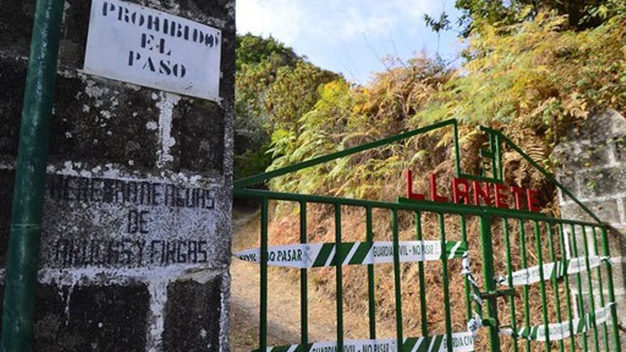 La Guardia Civil mantiene precintados los accesos a las instalaciones de la Heredad de Aguas de Arucas en Valsendero.
