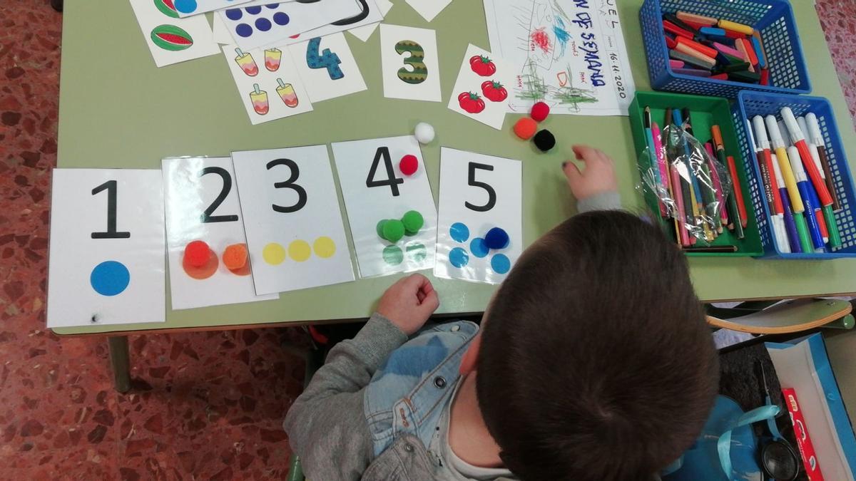 Escuelas rurales que agonizan, rutas escolares y el llamamiento del AMPA de Pozuelo de Aragón por salvar su colegio del cierre