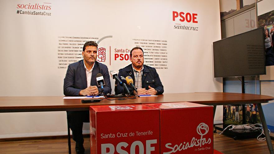 José Ángel Martín, a la izquierda, durante la rueda de prensa de este lunes