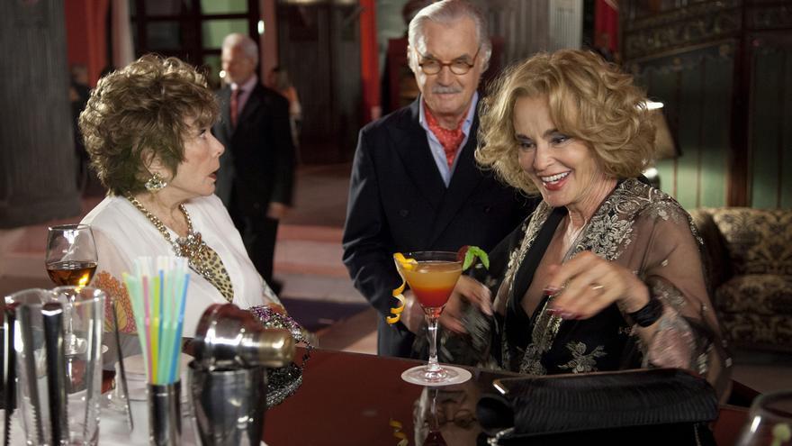 Shirley MacLaine y Jessica Lange en 'Como reinas'.