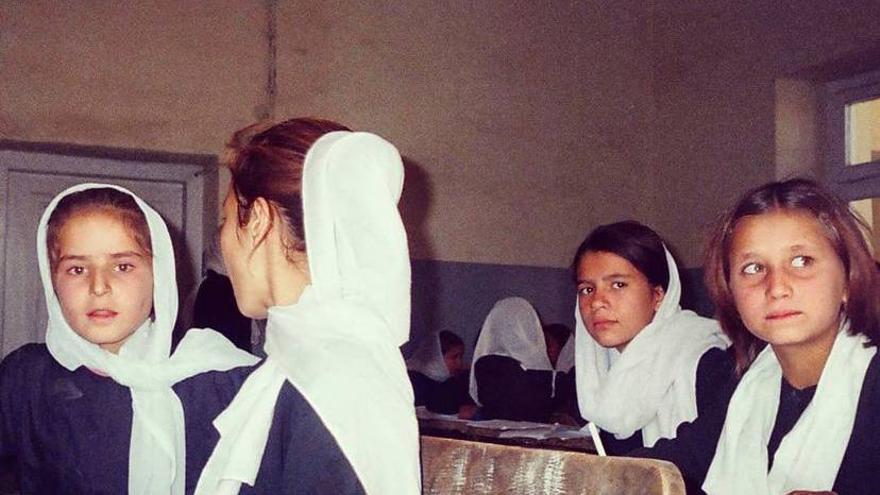 Niñas en una escuela de Naciones Unidas, Afganistán. 2006