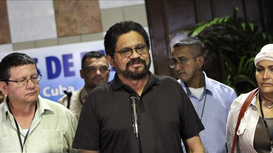 Las FARC valoran el medio año de diálogo y discrepan sobre la lentitud