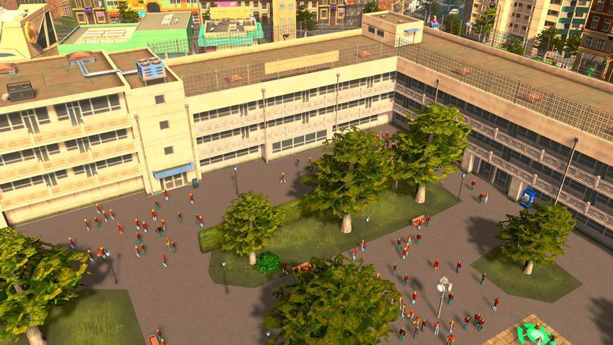 Detalle del patio de un colegio lleno de niños con uniforme