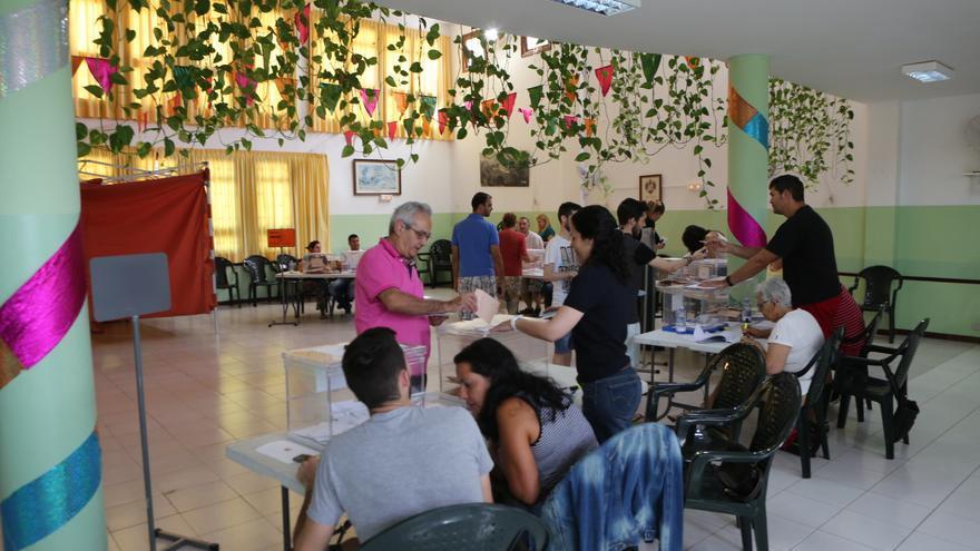 Jornada electoral en el Centro de Mayores, Agüimes (Alejandro Ramos)