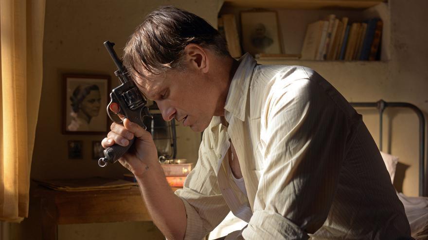 Viggo Mortensen encarna a Daru, uno de los héroes improbables de Camus