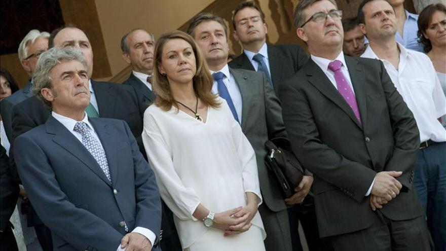 La presidenta de Castilla La Mancha, María Dolores de Cospedal, y el consejero Marcial Marín, a su derecha.