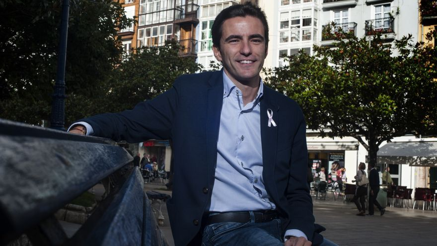 Pedro Casares, secretario general del PSOE de Santander. | JOAQUÍN GÓMEZ SASTRE