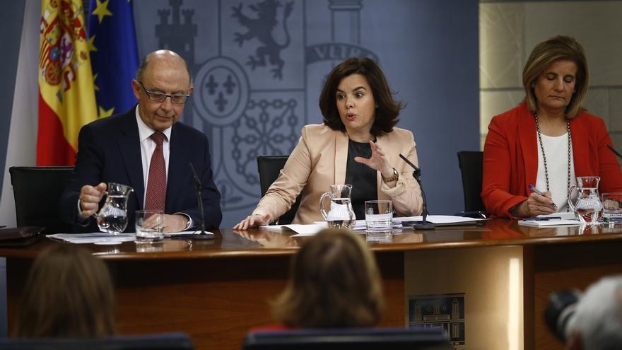 Cuatro ministros resisten en el Gobierno desde 2011: Santamaría, Guindos, Montoro y Báñez