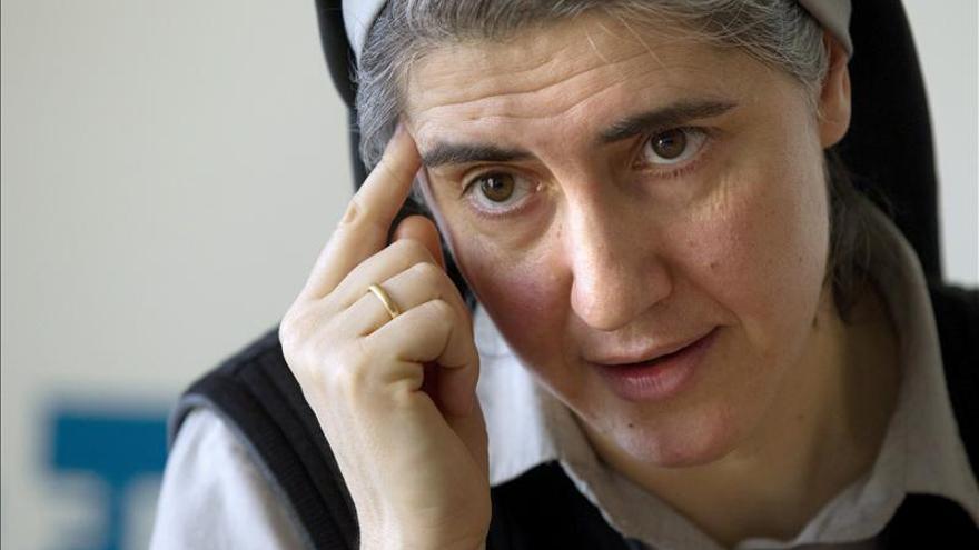 La monja Teresa Forcades propone la supresión de los partidos políticos