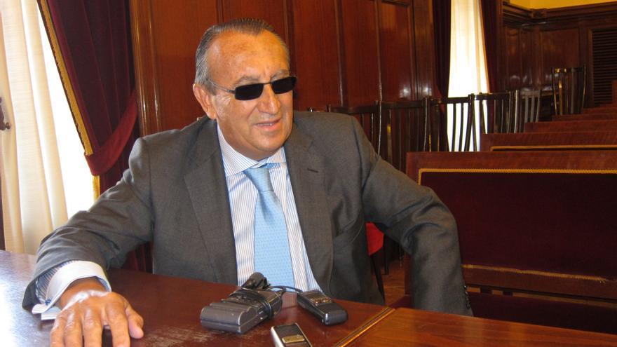 Carlos Fabra dejó hoy la Cámara de Comercio tras despedirse de los trabajadores