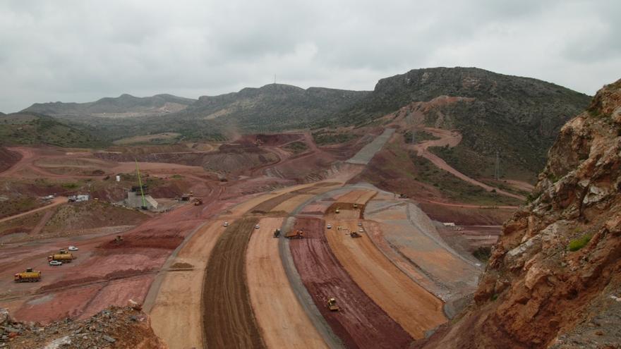 Obras en la presa de Mularroya / CHE.
